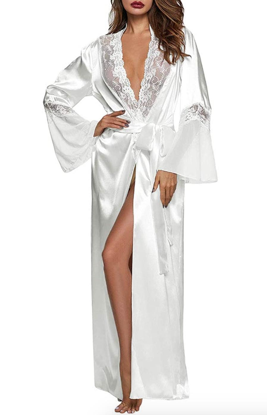 26 Bridal Robes Guaranteed To Make You Swoon